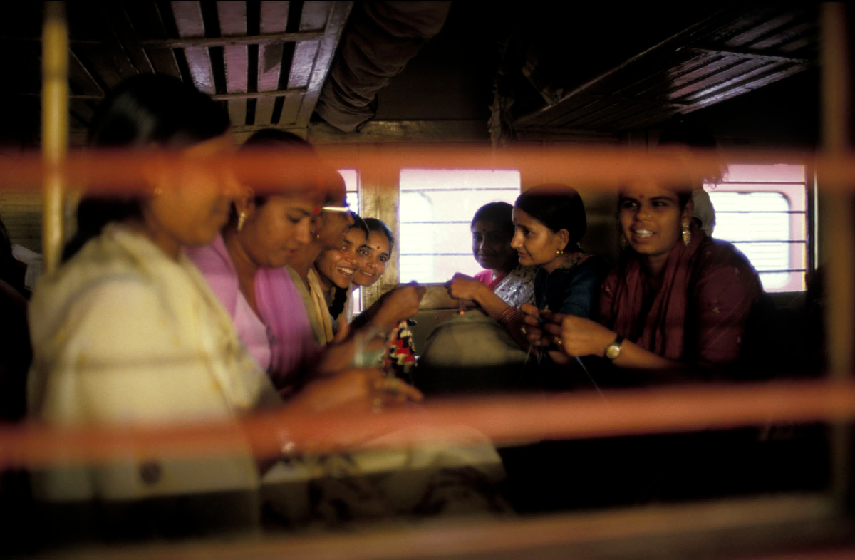 india-ladies-compartment