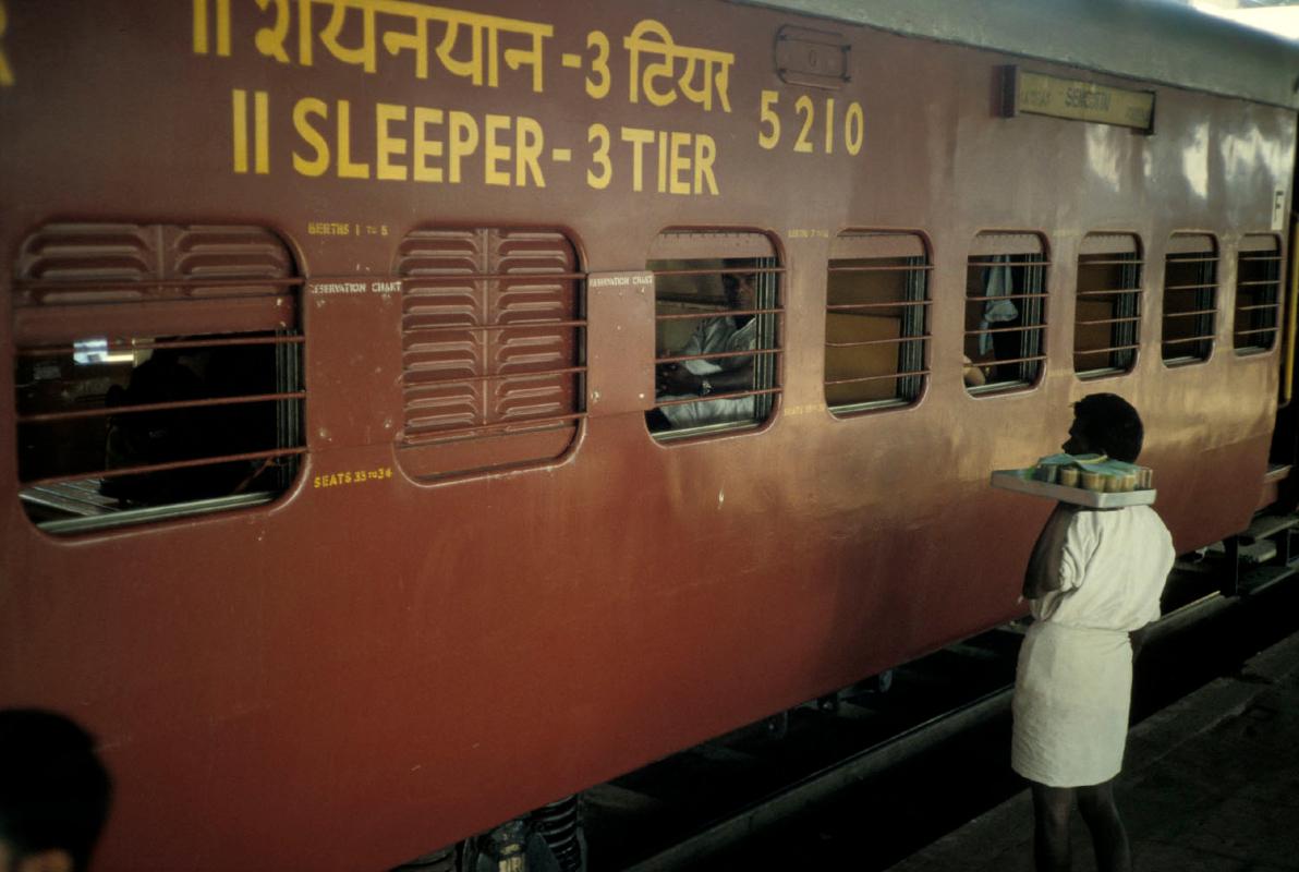 india-trein-sleeper